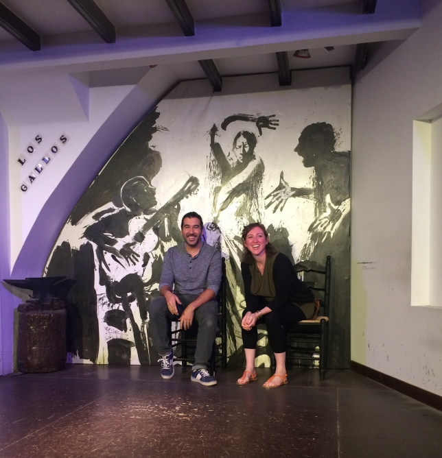 Flamenco action painter Patricio Hidalgo Morán and me in front of his artwork at Tablao Los Gallos, Sevilla.